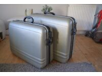 2 large hard shell suitcases, excellent condition