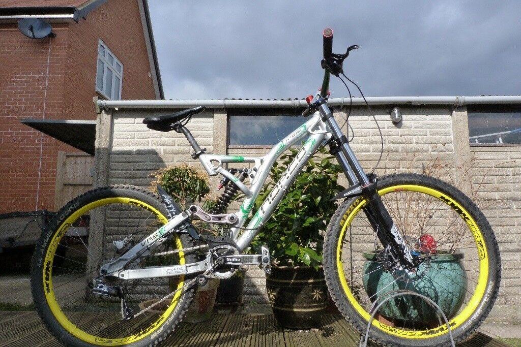 Norco Atomik Downhill Mountain Bike 18\