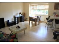 2 bed avail now for families with nearby schools, shopping centre, parking and gym + call now 2 view