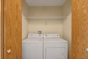 Camrose: 1 Bedroom, SPECIAL PRICING ON SELECTED SUITES! Strathcona County Edmonton Area image 4