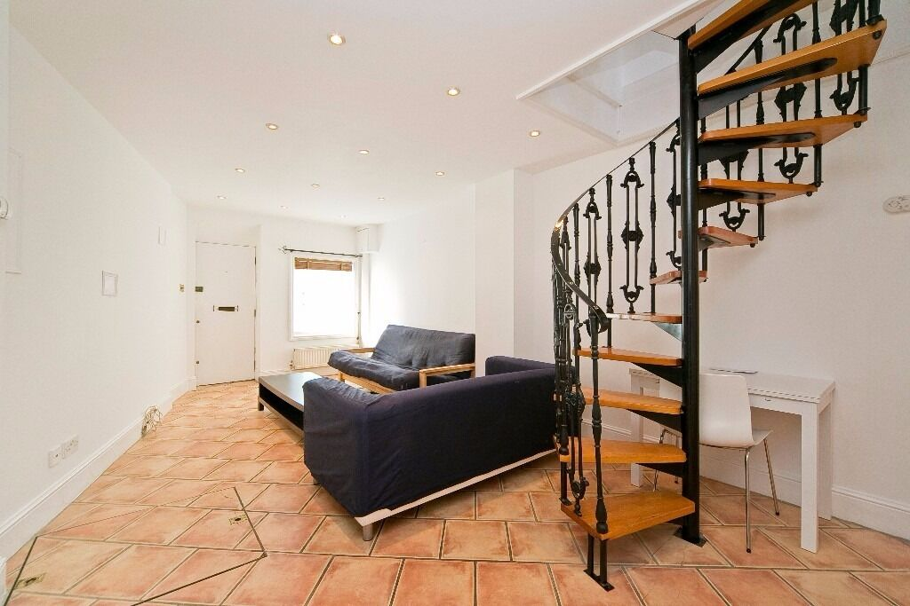 QUIRKY 1 DOUBLE BEDROOM HOUSE!! PRIVATE ROOF TERRACE!! SET IN THE HEART OF CAMDEN!! A MUST SEE!!