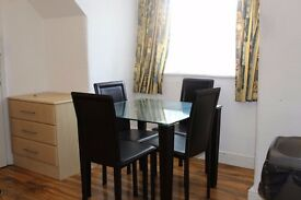 Lovely 1 bedroom Flat on Waldegrave Road, Rent £1000
