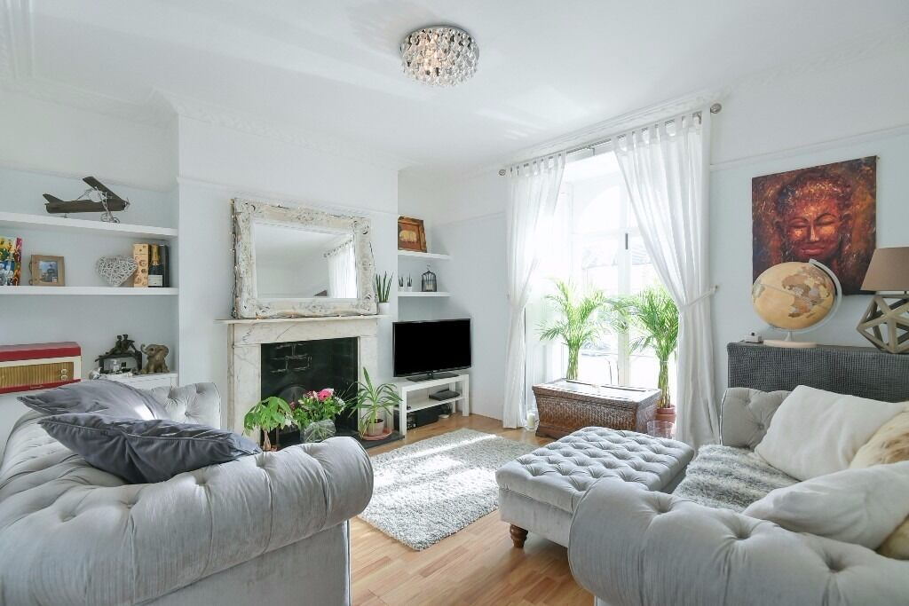 Park Hall Road - A superb period conversion one bedroom garden flat to rent.