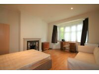 3 bed semi-detach house Hendon £461p/w