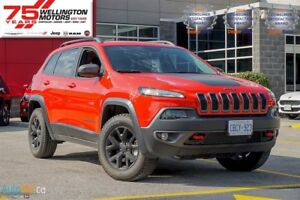2017 Jeep Cherokee Trailhawk | RIDES LIKE A JEEP AND FEELS LIKE