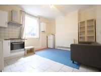 Spacious, well presented, Neutral decor, lovely convenient Location, High Ceilings, Modern