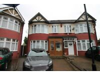 Beautiful 4/5 bedroom house*Palmers Green's shops/restaurants/mainline station*unfurnished