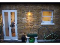 Cosy ground floor 2 bedroom flat in Wandsworth, furnished with a courtyard (6 month lease only)