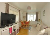 One double bedroom ground floor flat on North Cross Road, East Dulwich SE22