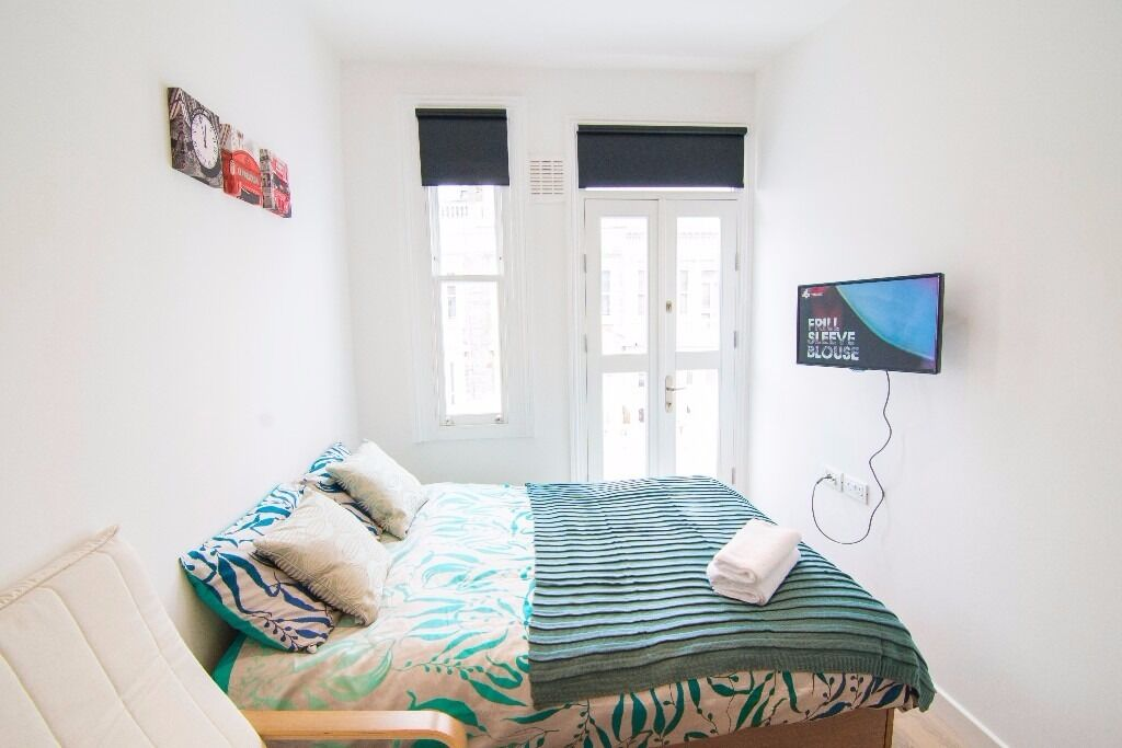Cozy Self-contained studio with balcony in West Kensington W14 £315 pw