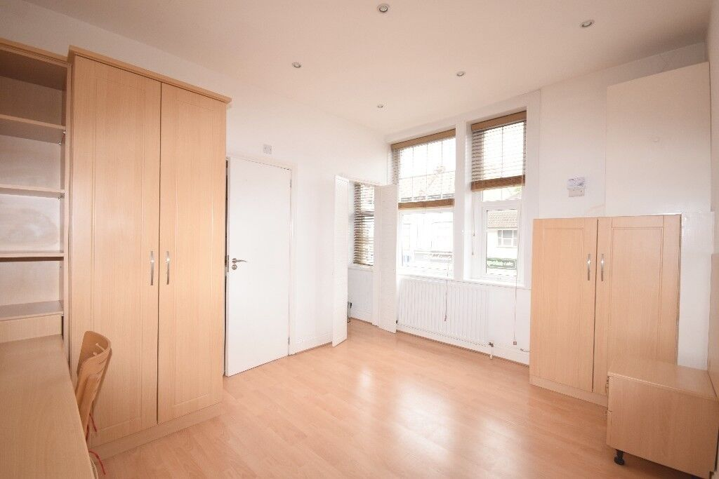 Lovely studio in North Finchley