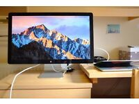 27 inch LED backlit widescreen display with thunderbolt I/O