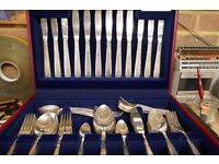 Oneida Silversmiths 60+ piece Cutlery set