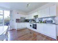 Ultra-Modern Split-Level Two Bedroom Apartment With Private Terrace - SW2