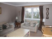 Spacious 2-bed flat in desirable Craigmount, fully furnished and well appointed £675 P/M