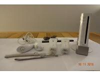Nintendo Wii - Console (White) Bundle
