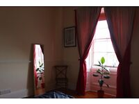 A gorgeous light and airy room to rent in lovely house share from Dec 15th!