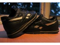 Women's Classic Leather Reebok trainer's, size 5.