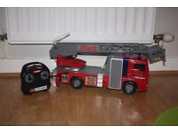 REMOTE-CONTROL FIRE ENGINE