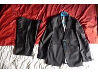 Slaters Black Slim Fit 2 Piece Tuxedo / Formal Dinner Suit - Jacket 34S Trousers 28S + 2 FREE ties