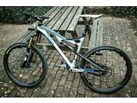 Carbon full suspension mountain bike