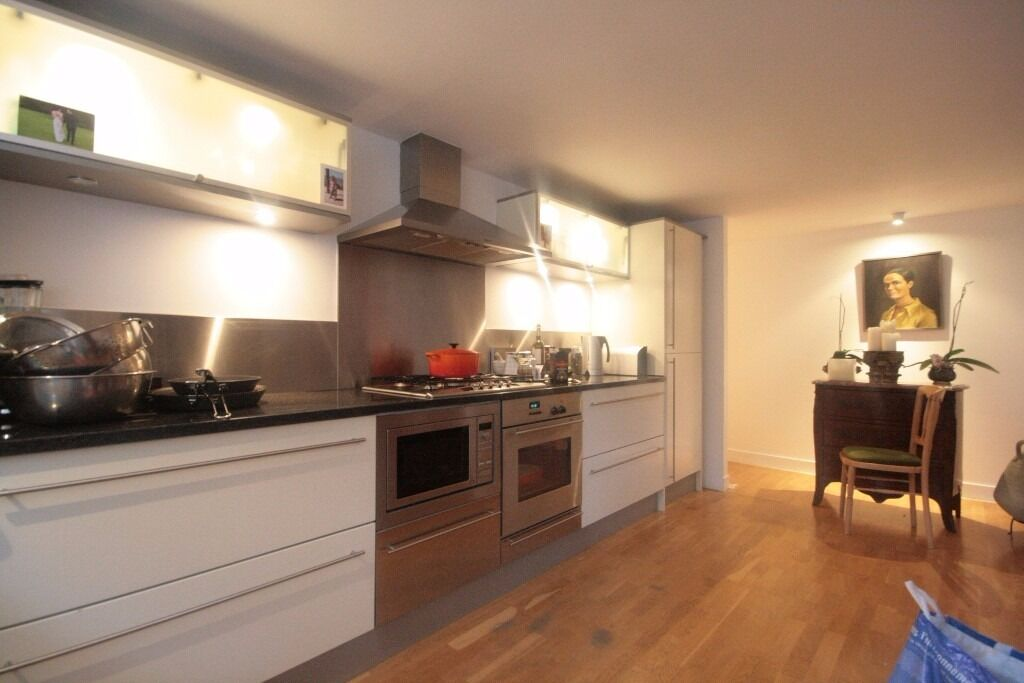 Modern 1 bed must go quick in Oval, £345pw
