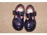 CLARKS FIRST SHOES SIZE 3 1/2