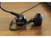 Wired In-Ear Headphones with Microphone, Noise Isolating, Memory Wire AndroidiOS MP3