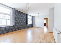 On Dunstans Rd a large 3 bedroom first-floor maisonette in SE22. Excellent condition, un-furnished.