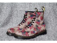 Floral Dr. Martens (Size 6)