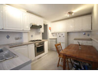 A bright & modern 3 double bedroom flat with a garden located on a quiet cul-de-sac in Kentish Town