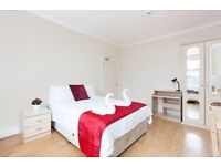 ~~~ Large studio apartment in Baker Street ~~~ Students welcome !!! Book Now !!!