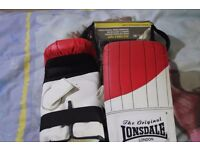 Lonsdale Sparring gloves
