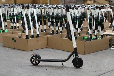 Brand New Segway ES4 ElectricScooter with External Battery White
