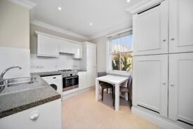 Fulham Road SW10. Beautifully refurbished one double bedroom flat to rent in Chelsea.