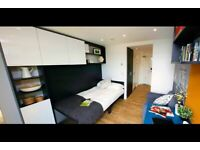 STUDENT ROOOM TO RENT IN LONDON. A ROOM WITH SINGLE BED, WARDROBE AND STUDY DESK AND CHAIR