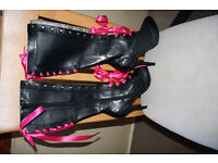 Bordello black boots