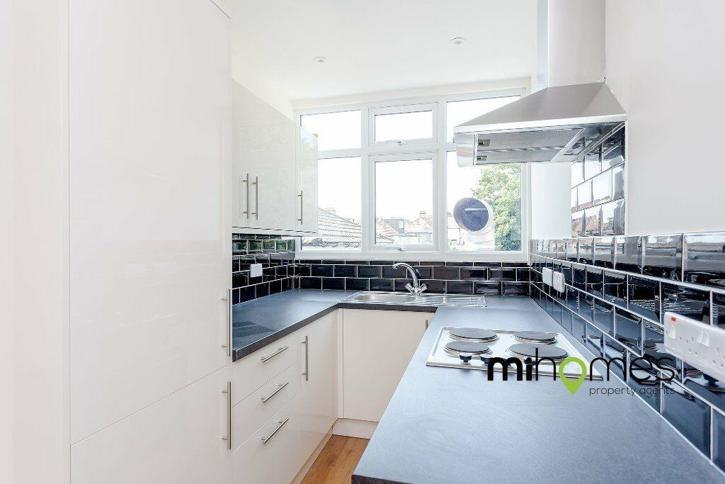 ***A HIGH SPEC LARGE 1 DOUBLE BEDROOM FLAT