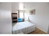 Lovely 3 bed plus living room(can be used as a bedroom) betnal green/Mile end £ 2200