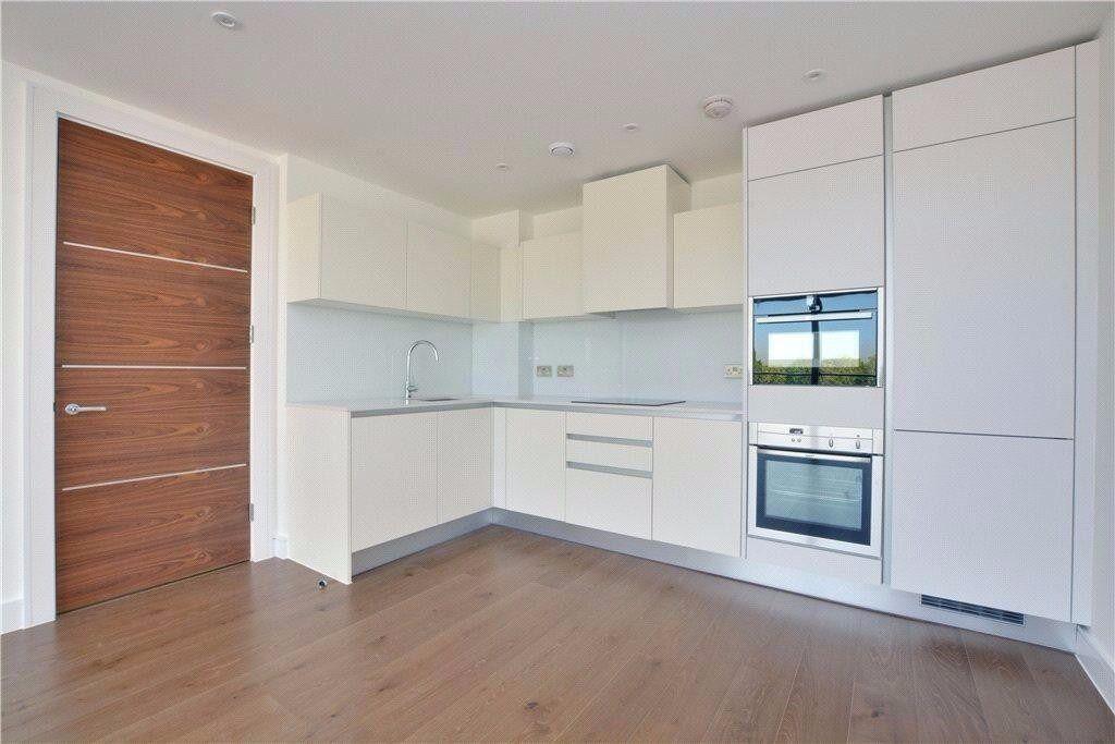 2 bedroom 2 bathroom flat in beautiful new and award-winning development