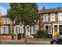 one double bedroom flat on Brooke road in Stoke Newington. N16 Call Robert Now on 02037731221