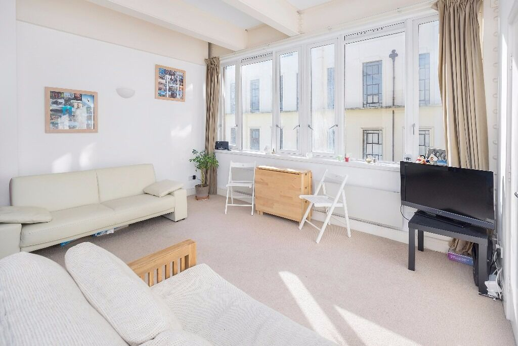 EXCEPTIONAL 1 DOUBLE BEDROOM APARTMENT SET IN THIS LANDMARK FORMER ROYAL MAIL SORTING OFFICE