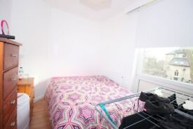 Pretty Double Room in Stockwell area