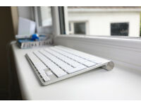 Apple Keyboard nearly new
