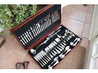 beautiful set of cutlery 128 pieces sheffielf steel