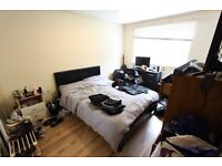 DOUBLE BEDROOM TO LET. SUIT SINGLE PERSON. TUBE, TRAIN, SHOPS, AMENITIES, REFURBISHED. N11 N10