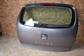 Seat Altea Reference 2006 - Rear tailgate - paint code- LS7V / LS7U - COMPLETE.