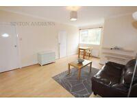 Studio flat in Argyle Road, Ealing, W13