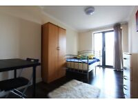J*/OFFER*DOUBLE ROOM WITH BALCONY* EAST ACTON* LOVELY 4BED FLAT+ROOF TOP
