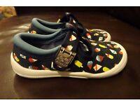 Clarks Kids Shoes size 7.5F (EUR 25)